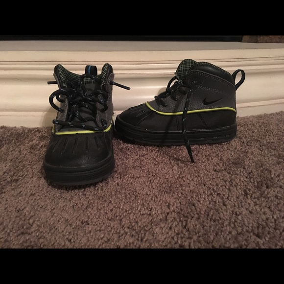 Nike Infant/Toddler winter boots